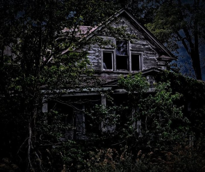14. I'm willing to bet this house is haunted...