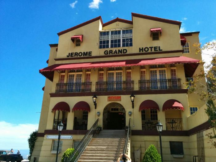 2. Claude Harvey, Jerome Grand Hotel