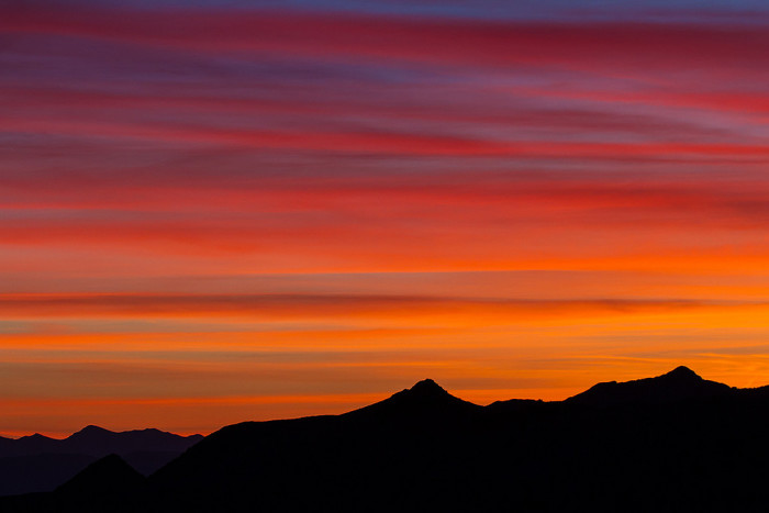 11. This sunrise, which overlooks the Lake Mead National Recreation Area, is simply BREATHTAKING!!!