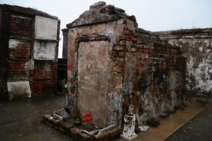 4) Marie Laveau's Tomb