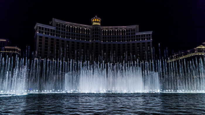 4. A gorgeous view of the Bellagio Fountains.