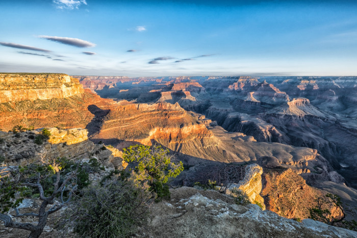 2. There's also this peaceful view of the Grand Canyon as the sun hits the sides of the canyon walls.
