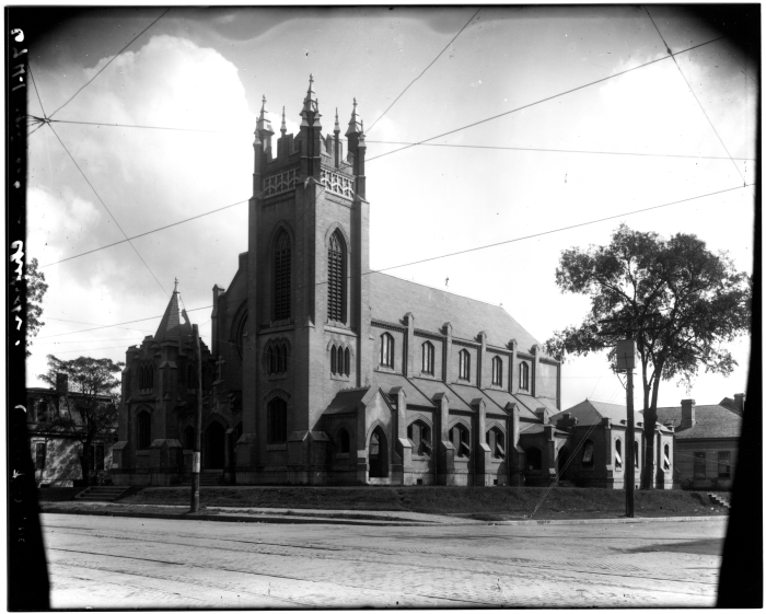 15. Jackson's well-known gothic-style cathedral, St. Andrews, in 1910.