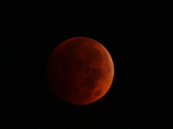 3. Blood moon over Dublin during October 2014 lunar eclipse