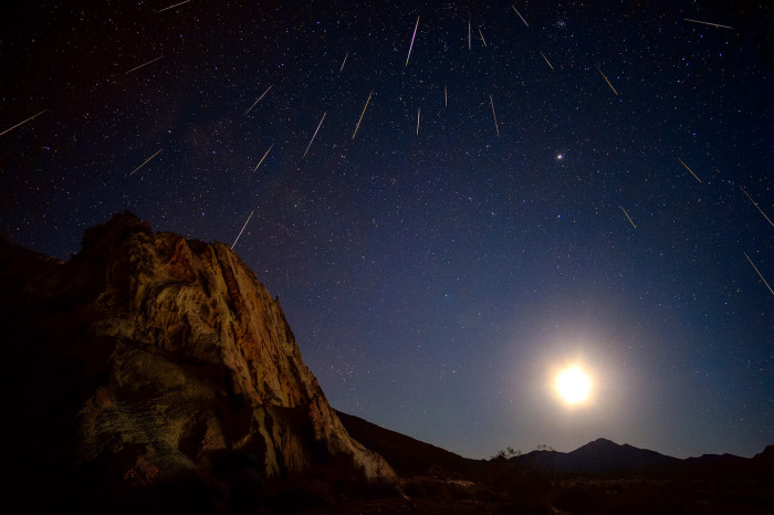 5. A magical view of the Greminids meteor shower.