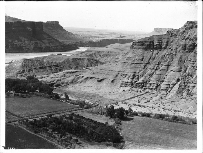 6. Known today as the official beginning point of the Grand Canyon, Lee's Ferry received its name from the ferry boat service initially operated by John Doyle Lee. Here's a look at the area at one point during its 60-year operation.