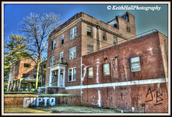 A Look Inside The Haunted Abandoned Old Davis Hospital