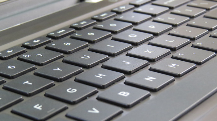 2) Alaska is the only state name that can be typed all in the same row on the keyboard.
