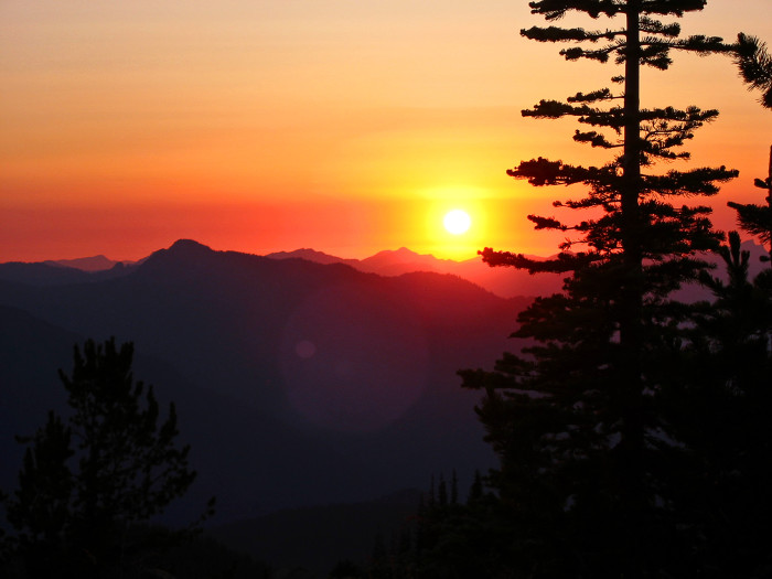 13. This tranquil sunset was seen in the Cascades area.