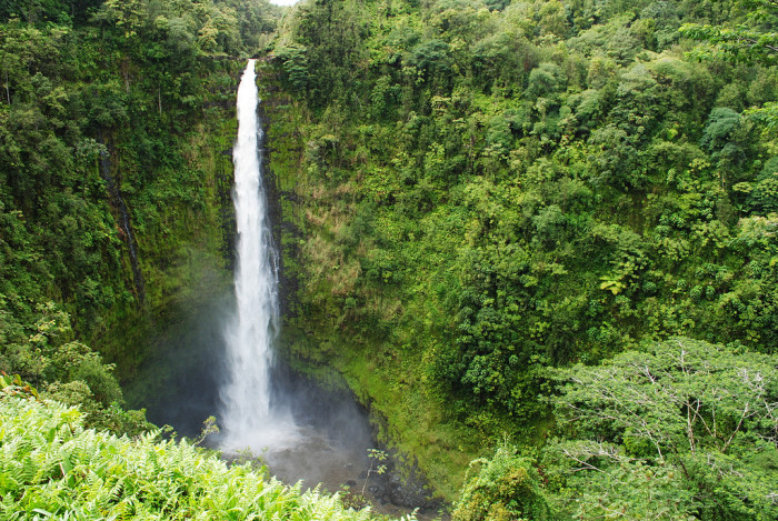 2) The world would also be missing some pretty stellar waterfalls, and incredible views.