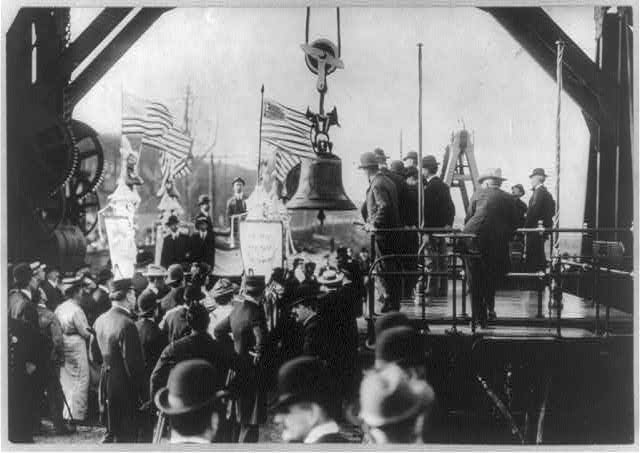 2.Liberty Bell - Transferring the Liberty Bell from truck to train at St. Louis after the Exposition, 1905.