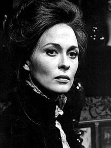 5. Faye Dunaway