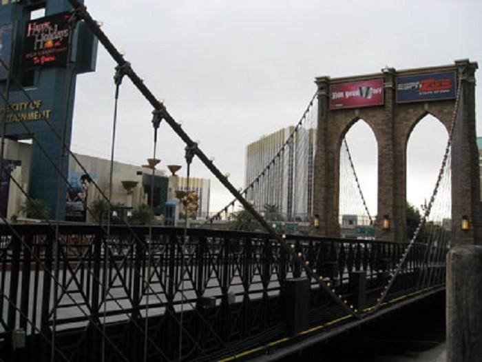 9. Brooklyn Bridge @ New York-New York Hotel & Casino