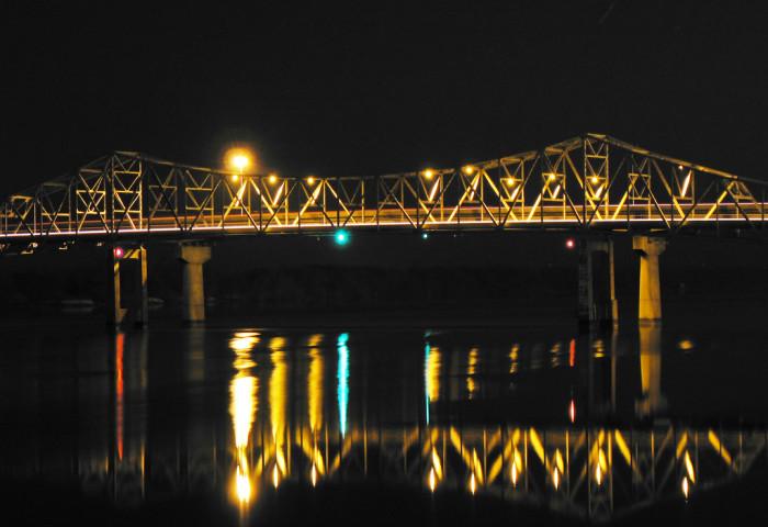 4. The Steamboat Bill Memorial Bridge in Decatur, Alabama.