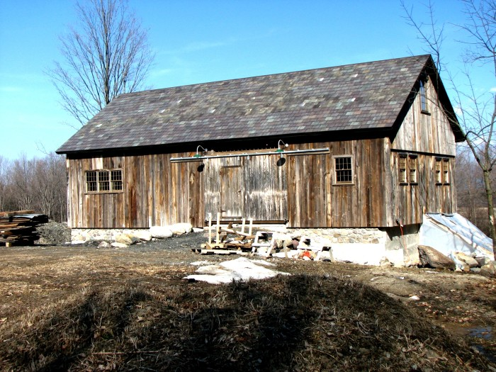 14) The old-fashioned Bread Loaf Mountain View Farm barn.