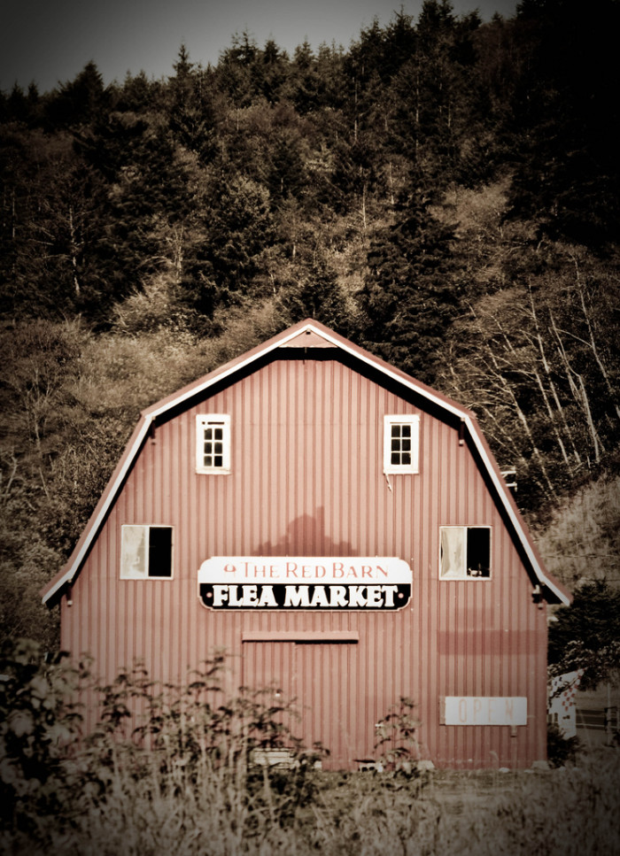 2) Red Barn Flea Market