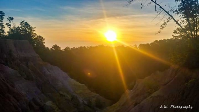 4. An area already known for its beautiful views, Red Bluff looks even more amazing at sunrise.