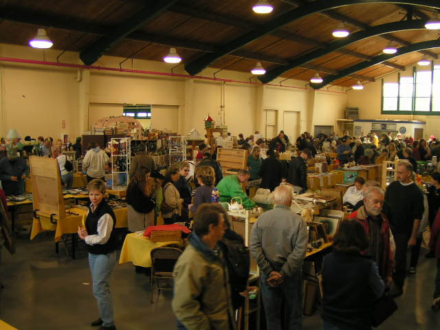 6) Picca-A-Dilly Flea Market