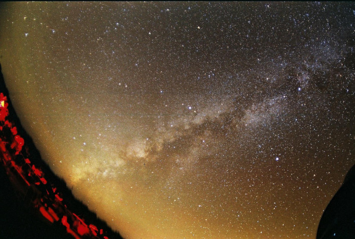 2) You can clearly see the Milky Way in this magnificent shot taken by Jeff Barton in Eldorado, Texas!