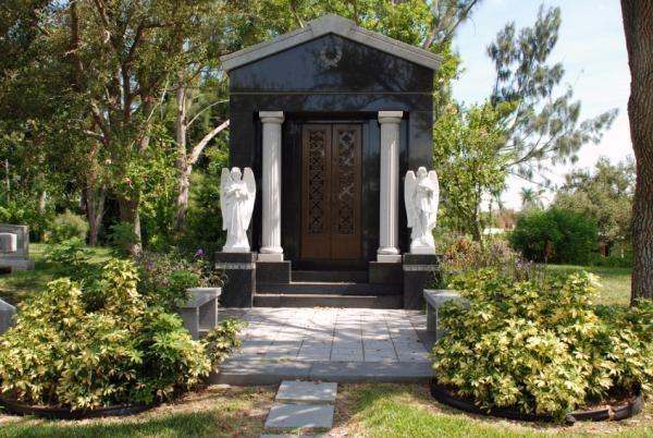 5. Garden of Hope Cemetery, Gautier