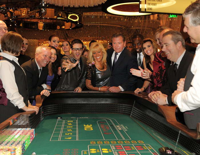10. Nevada is best known for gambling. You can't walk 20 feet without running into a slot machine. They're EVERYWHERE! Without Nevada, would gambling be as popular somewhere else? Hmm...