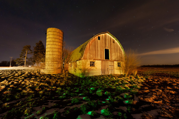 3. This is a picture of a barn somewhere in the northern part of Indiana. The starry sky in the background is absolutely spectacular! Don't you think?