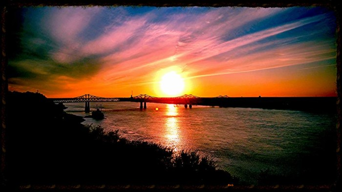 7. With pictures like this, it's easy to see why Natchez is known for amazing waterfront views.