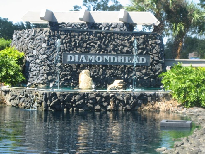 7. Mississippi and Hawaii aren't often grouped together, but the two states have more of a connection than many think. The city of Diamondhead was actually named after a volcanic tuff cone that is located on the Hawaiian island of Oahu. The Hawaiian-inspired name was selected in hopes that it would attract tourists and residents.
