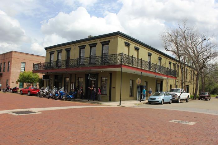 7) Jefferson Hotel (Jefferson)