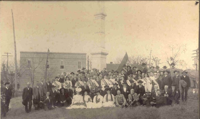 7. In 1905, numerous residents showed up for the unveiling of Carrollton's Confederate monument.