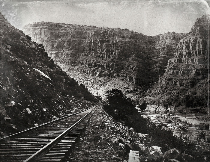 3. A little more than 100 years later, the Verde Canyon Railroad is still in operation and generally looks the same. What do you think?