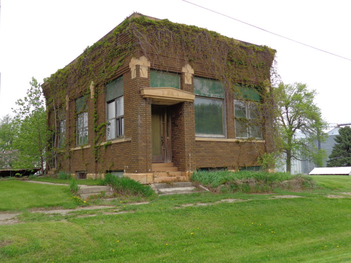 12 houses in minnesota that could be haunted for Building a house in mn