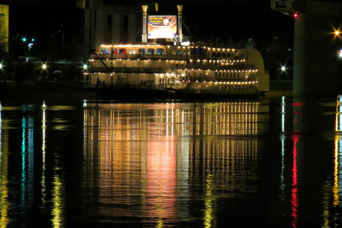 9) The Chattanooga Southern Belle looks beautiful across the river.