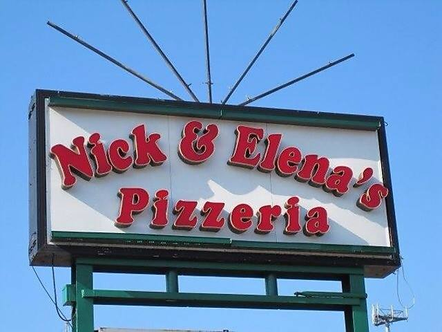 9.Nick & Elena's Pizzeria, Overland