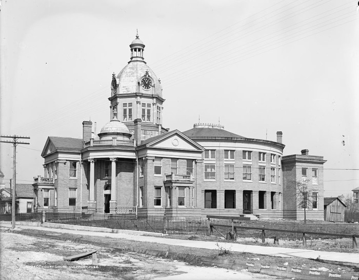 9. Taken in 1906, the Gulfport County Courthouse is truly an architectural work of art.