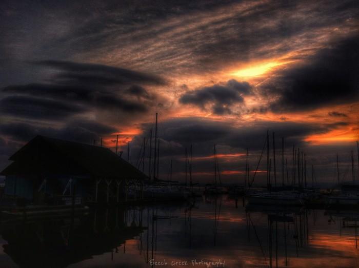 4. A stunning night sky overlooking Lake Guntersville.