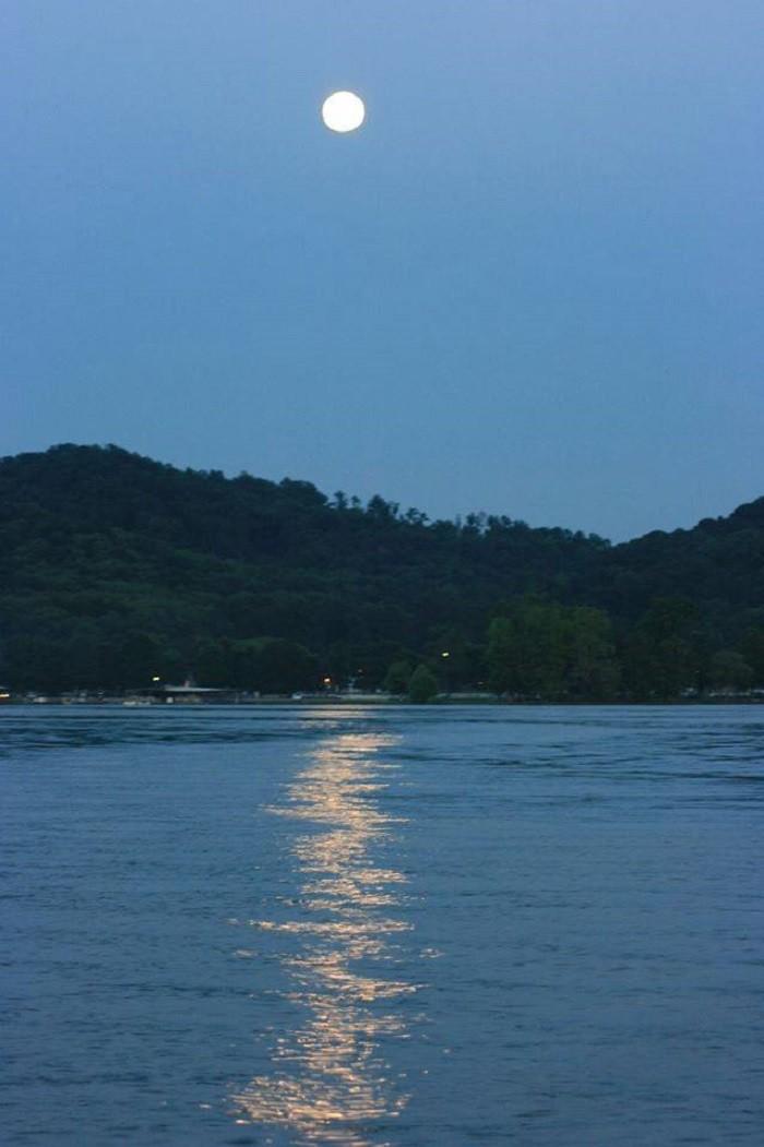 19. A fantastic moonlight view of Lake Guntersville.