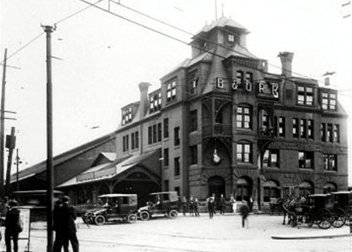 Here is a 1911 shot of the B&O Railroad Depot in Pittsburgh.