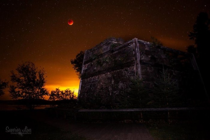 13) Just look at that fantastic shot of the Blood Moon at Bay Furnace in Christmas, Michigan, taken by Superior Lens Photography.