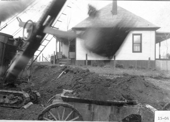 15) A blurry construction shot from 1915