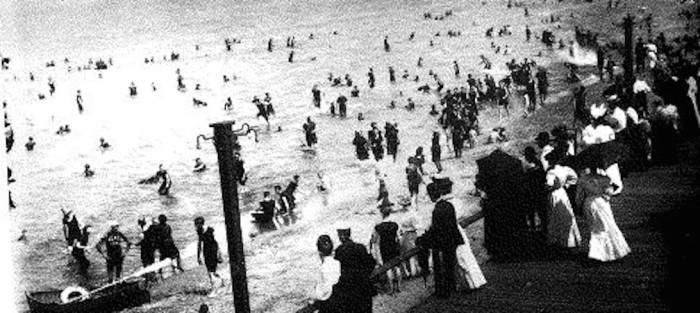 8. Cedar Point beach in Sandusky, OH (Circa 1900)