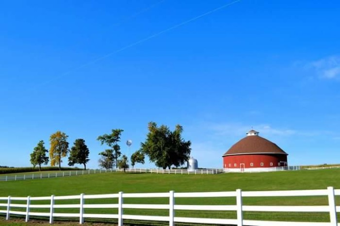 11. Angie Metzger emailed me a picture of the Hileman Round Barn in North Manchester. Apparently this picture was a local calendar award winning photo!