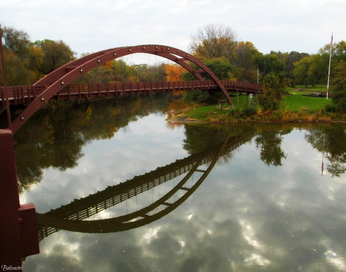 13) Fall view on the Tridge in Midland