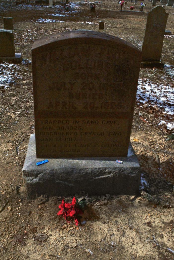 Floyd Collins grave.