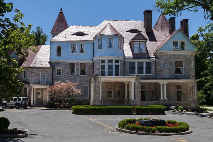 1. The murdered slave at Graceland mansion in Elkins