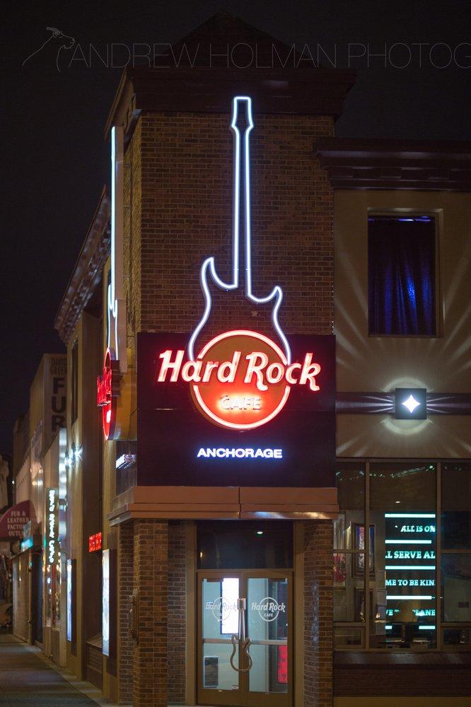 4) Hard Rock Cafe