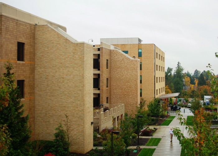 4) Kaiser Permanente Sunnyside Medical Center