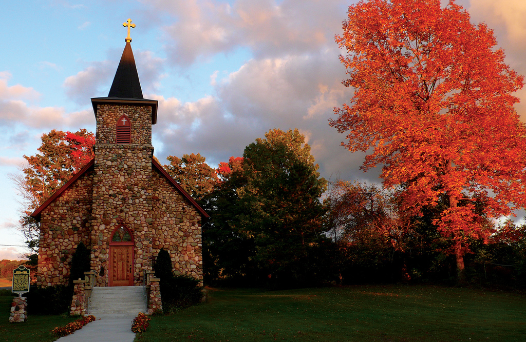 Unforgettable Weekend Trips To Take In Michigan This Fall