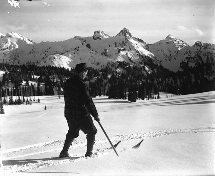 14. Can you imagine skiing at Mount Rainier National Park in 1907?