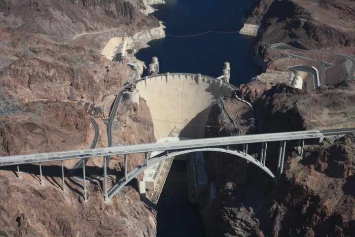 4. The largest public works project to ever take place in the U.S. is the Hoover Dam. It actually has greater structural volume than Eqypt's largest pyramid.